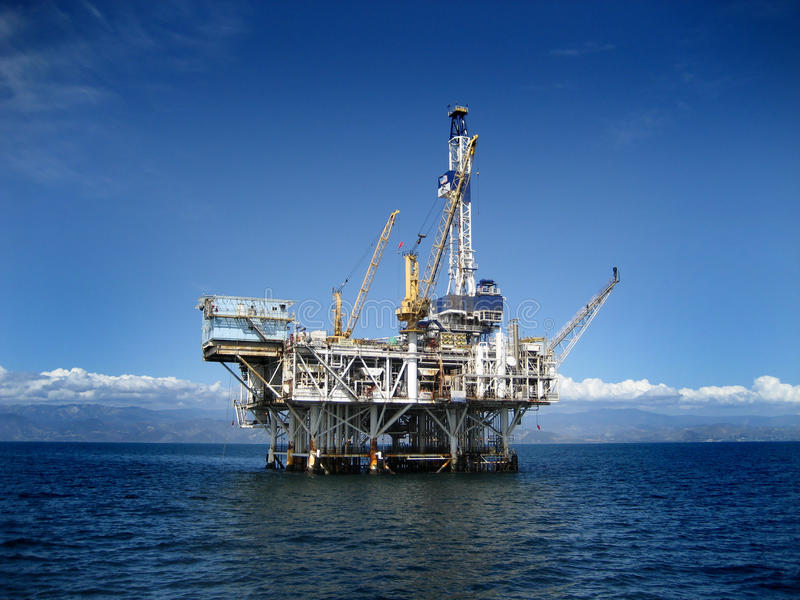 Offshoreölplattform-Bohrinsel stockbild