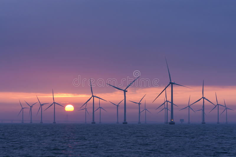 Download Offshore Windfarm Lillgrund Daybrake, Sweden Stock Image - Image: 33571049