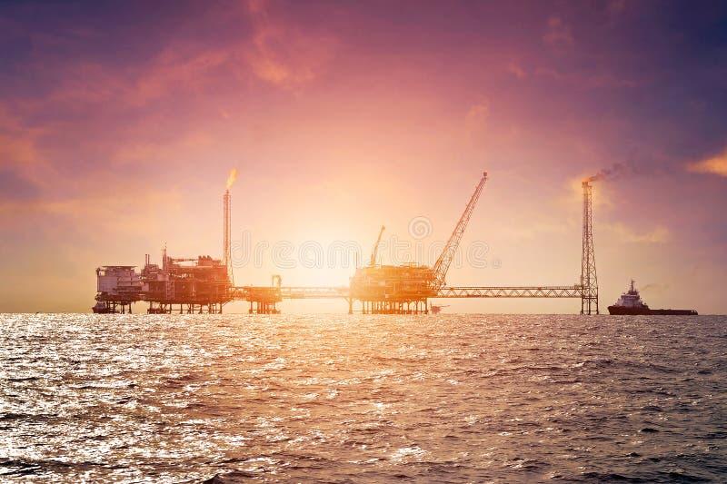 Offshorebauplattform lizenzfreies stockbild