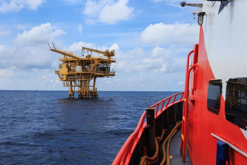 Offshoreförderplattform für Erdöl-Entwicklung stockbilder