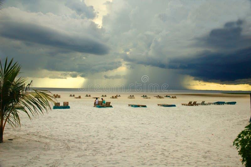 Offshoregewitter-Fort- Myersstrand Florida lizenzfreie stockfotografie