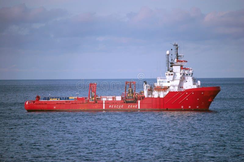 Offshorezubehör-Behälter in der Nordsee stockfotos