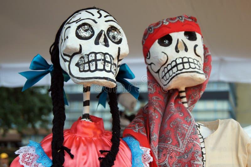 Ofiary, czaszki, rzemiosła odnosić sie dzień nieboszczyk w Meksyk Lajkonik pełno który robi my pamiętać kolory i tradycje fotografia royalty free