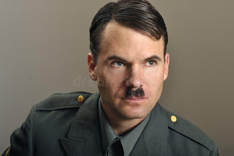 Download Oficer wojskowy obraz stock. Obraz złożonej z portret - 22430557