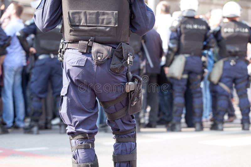 Oficial de policía de servicio Contador-terrorismo fotografía de archivo