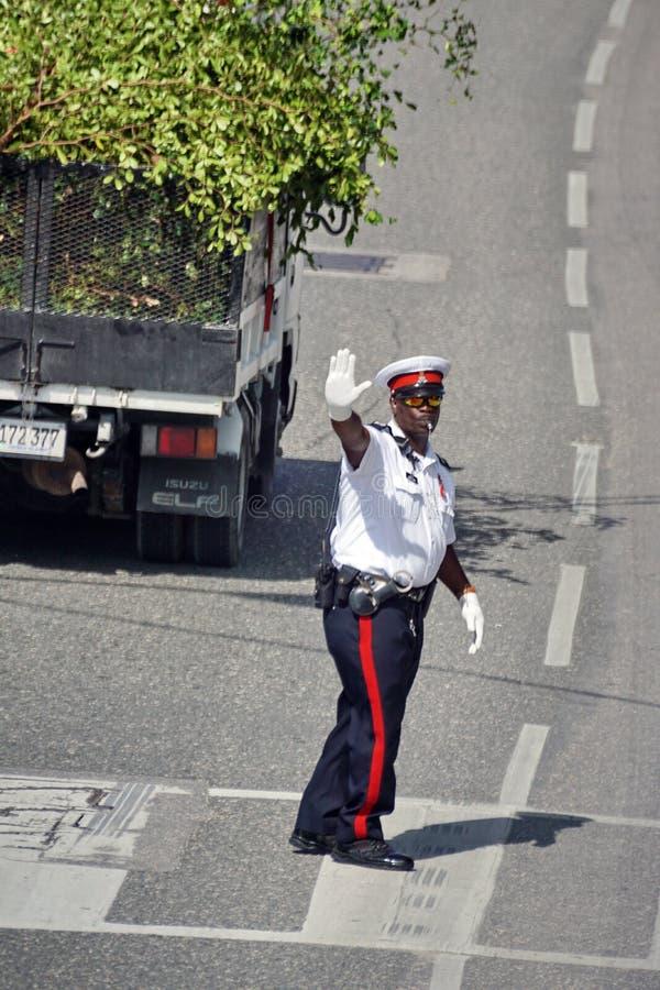 Oficial de policía uniformado en Gran Caimán fotografía de archivo