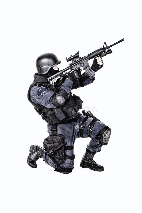 Oficial del GOLPE VIOLENTO imagen de archivo