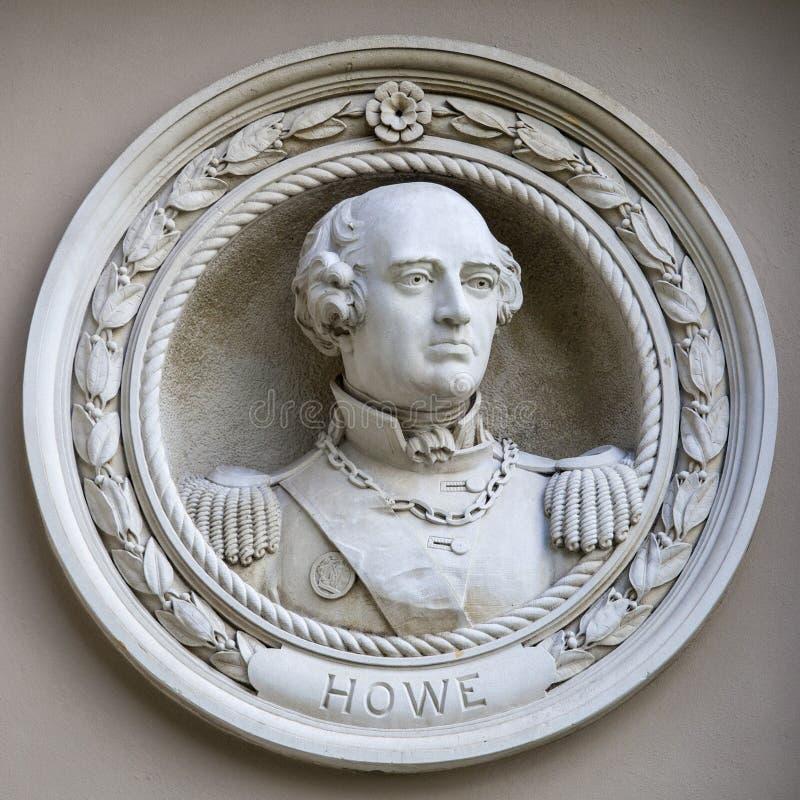 Oficial Richard Howe Medallion Bust em Greenwich fotos de stock royalty free