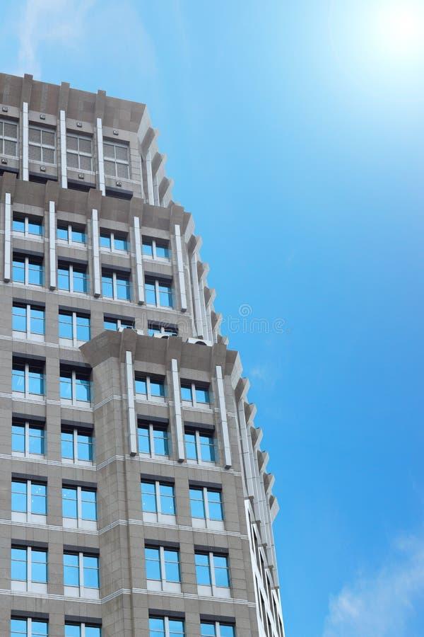 Oficina clásica de la arquitectura del edificio de la torre fotos de archivo libres de regalías