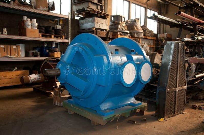 Oficina: construção de bombas de vácuo foto de stock