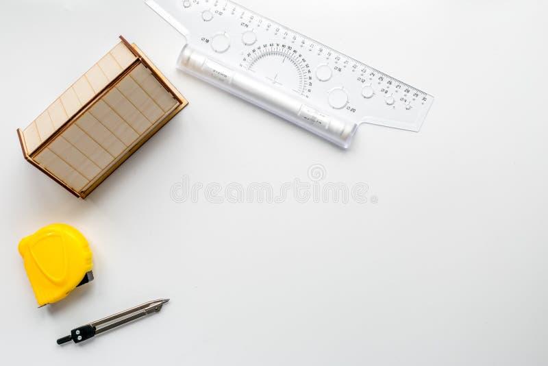 Oficina de arquitecto en concepto de la profesi n en mofa for Concepto de oficina