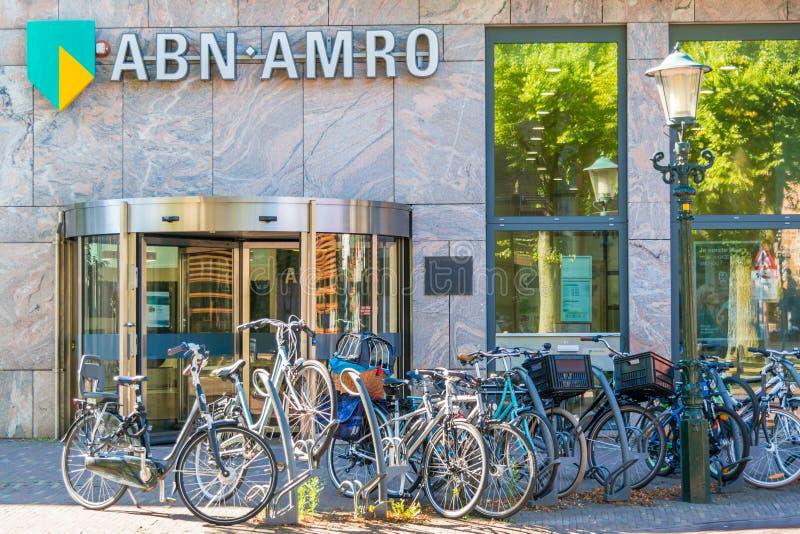 Oficina de la sucursal bancaria de ABN AMRO en Alkmaar, Países Bajos imagen de archivo libre de regalías