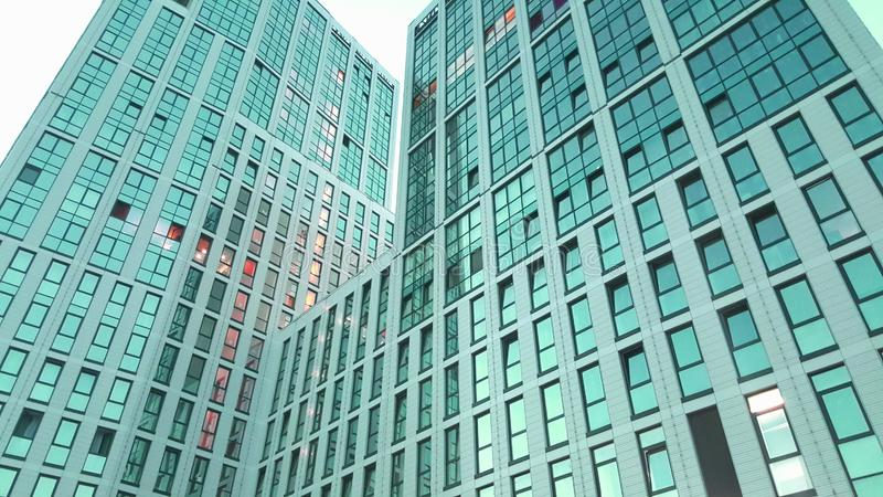 Oficina de negocios del rascacielos de la ventana fotos de archivo libres de regalías