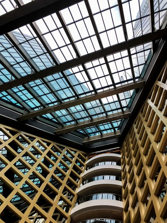 Oficina de negocios moderna del rascacielos, extracto moderno corporativo de la fachada del edificio colorido edificio corporativ imágenes de archivo libres de regalías