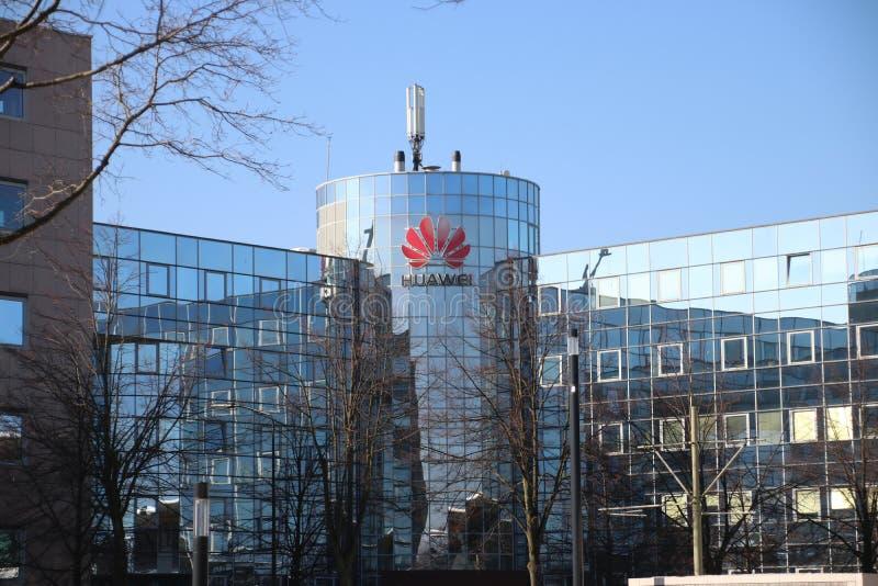 Oficina local de Huawei, fabricante chino de equipo de telecomunicación en Voorburg, los Países Bajos foto de archivo