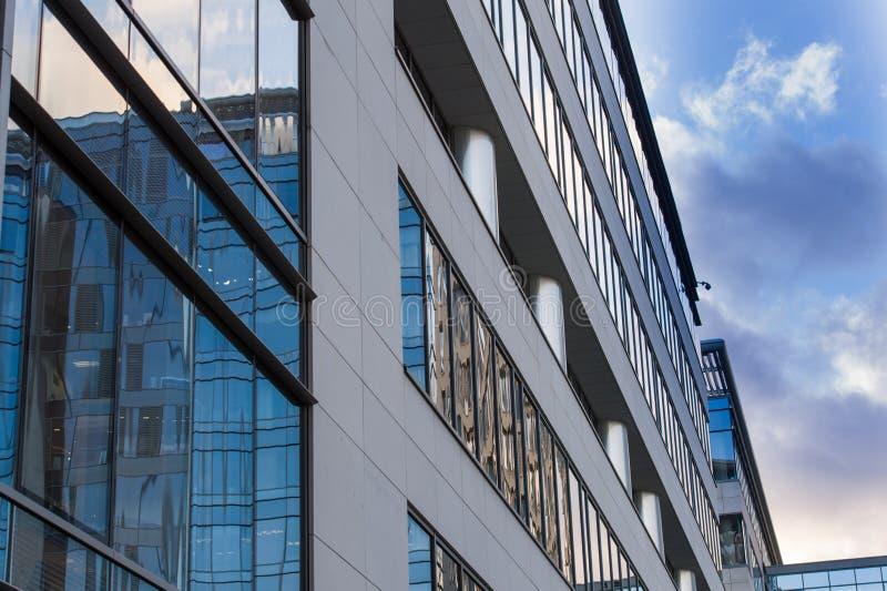 Oficina moderna del centro de negocios foto de archivo libre de regalías