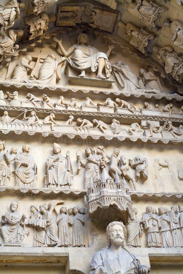 ofnotre reims Франции украшения dame собора стоковые изображения rf
