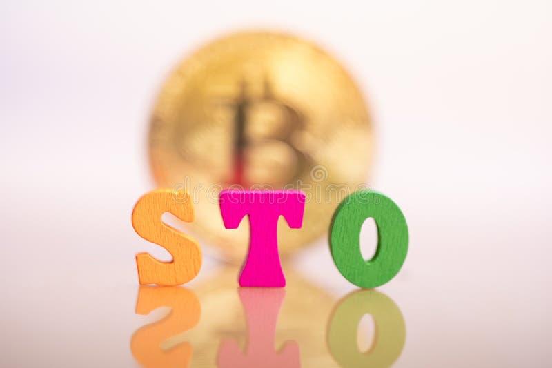 Ofrecimiento del s?mbolo de la seguridad de STO imágenes de archivo libres de regalías