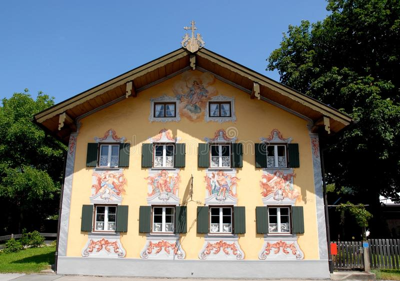 Ofrezca la fachada de la casa en Oberammergau en Baviera (Alemania) fotografía de archivo