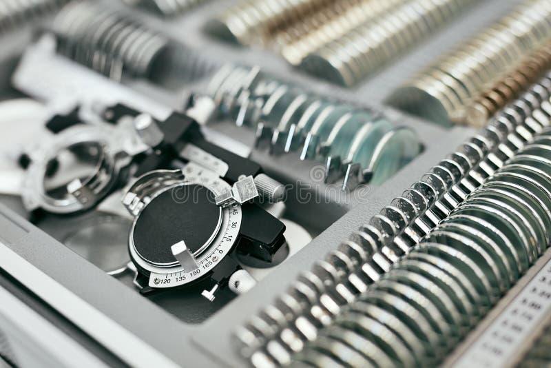 Oftalmologiemedische apparatuur, Hulpmiddelen voor de Close-up van het Zichtexamen royalty-vrije stock afbeelding