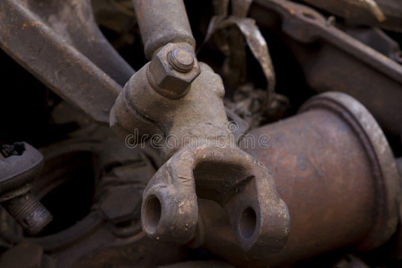 Ogólnoludzkiego złącza złącza części rdzewiejący samochodowy dyszel fotografia stock