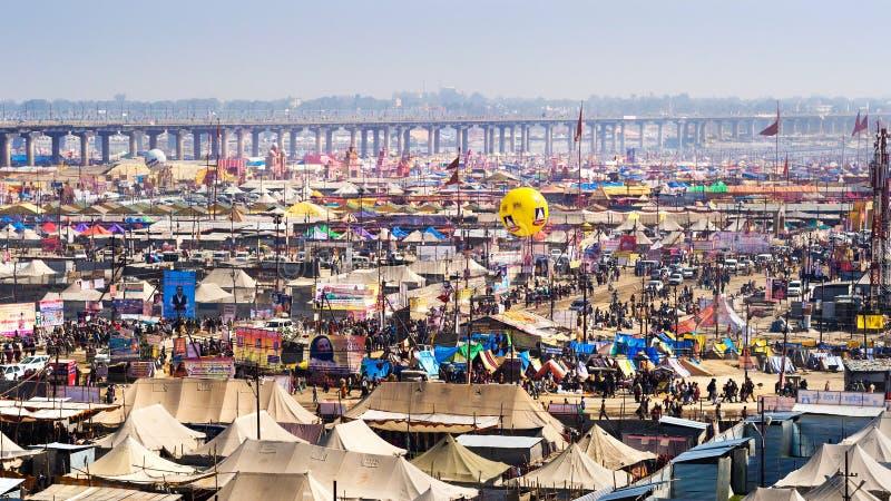 Ogólny widok Kumbh Mela festiwal w Allahabad, India zdjęcia royalty free
