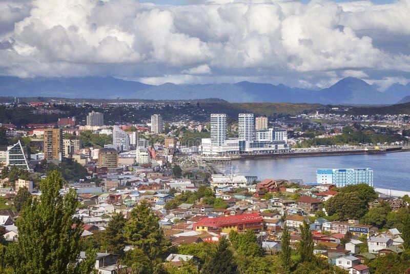 Ogólny widok Puerto Montt biedne miasto, Chile obrazy stock