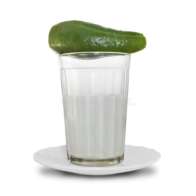 Download Ogórkowy Szkła Mleka Wierzchołek Zdjęcie Stock - Obraz złożonej z greenbacks, biały: 13338356