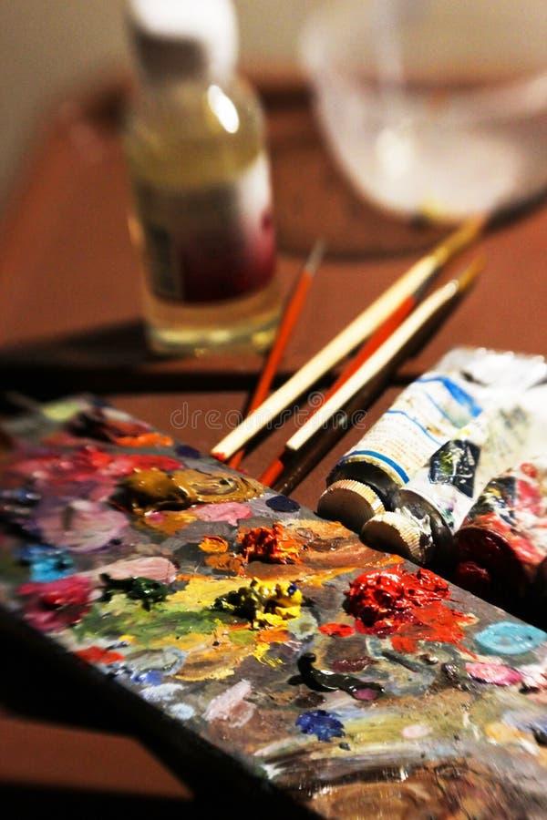 Oggetti da dipingere con le pitture ad olio fotografia stock libera da diritti