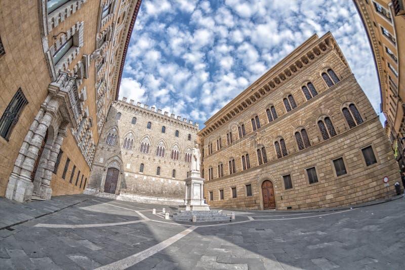 Download Oggetto Du0027antiquariato Del Posto Di Bandini Di Siena Vecchio  Immagine Stock   Immagine