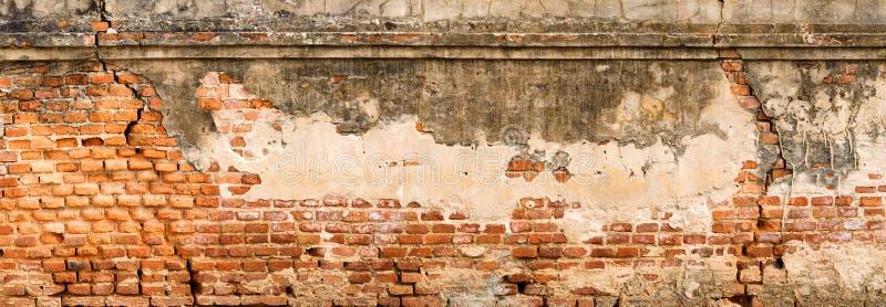 Oggetto d'antiquariato e vecchia struttura rossa del muro di mattoni fotografie stock