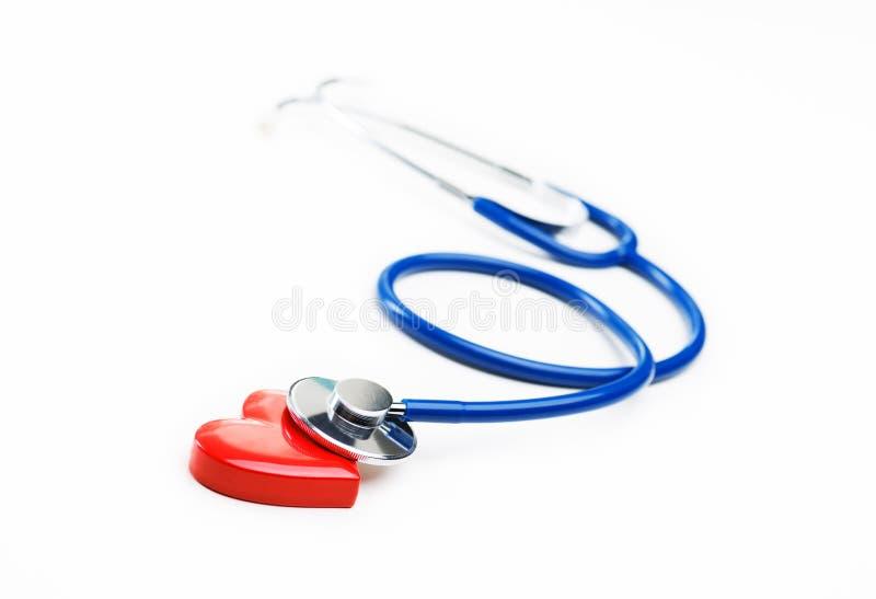 Oggetto a forma di del cuore e dello stetoscopio immagini stock libere da diritti