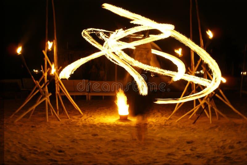 ogień kwitnie tancerkę. fotografia stock