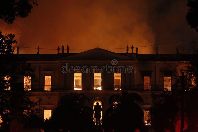 Ogień niszczy kolekcję i część budynek Nationa zdjęcia stock