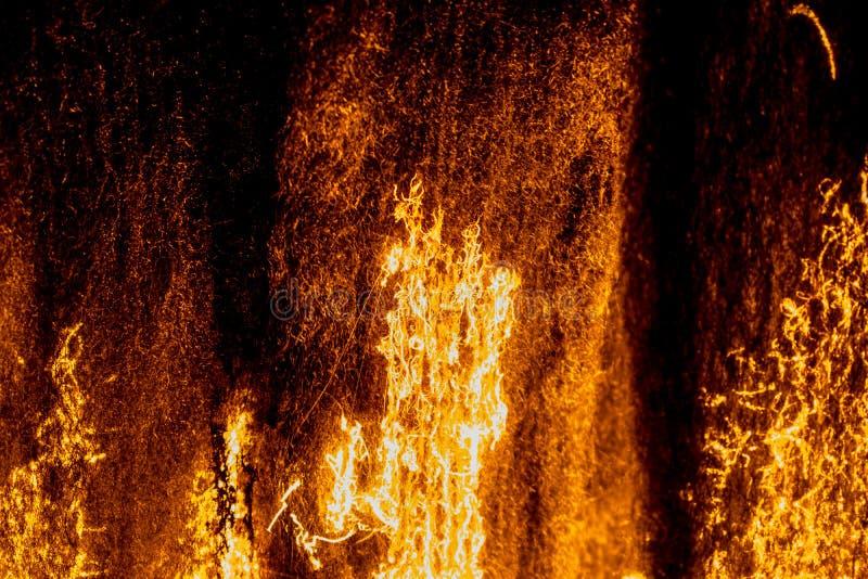 OGIEŃ - stalowej wełny palenie, utleniać, tli się 01 zdjęcie stock
