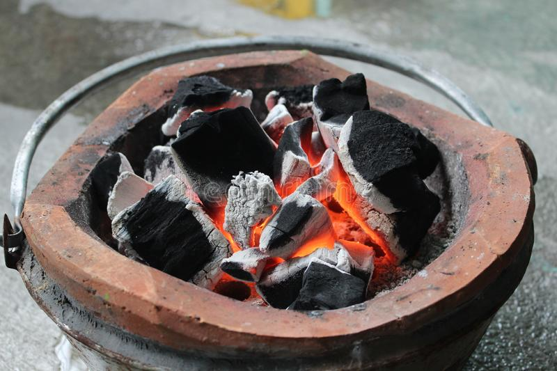 Ogień w kuchence fotografia royalty free