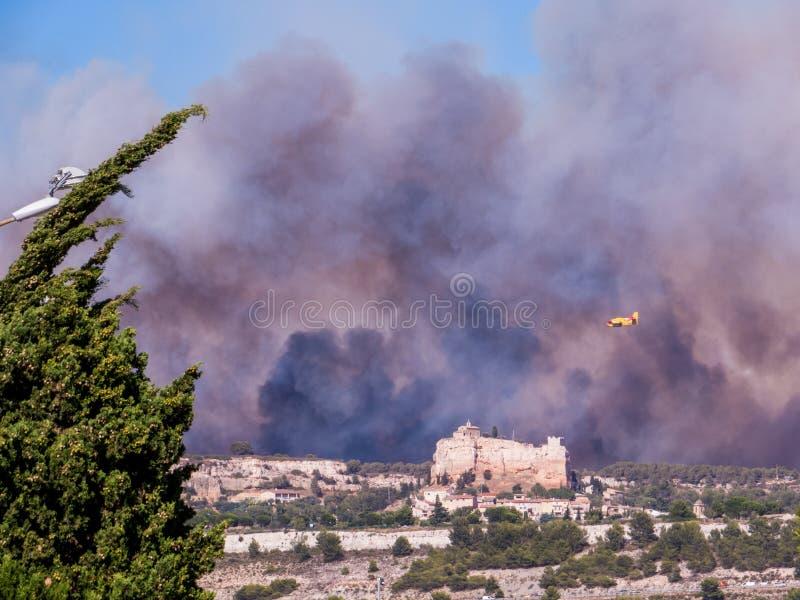 Ogień w Vitrolles, Sierpień 10, 2016 fotografia stock