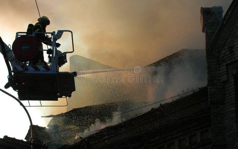 Download Ogień obraz stock. Obraz złożonej z katastrofa, niedola - 13338337