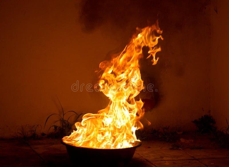 Download Ogień zdjęcie stock. Obraz złożonej z łuna, zimno, upały - 28959292