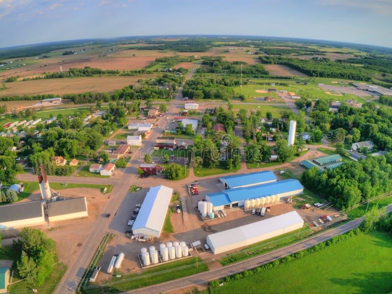 Ogilve is een kleine de Landbouwstad in Minnesota stock fotografie