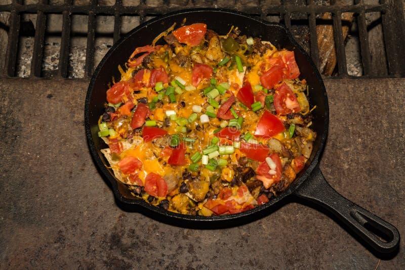 Ognisk Nachos na grillu zdjęcia stock
