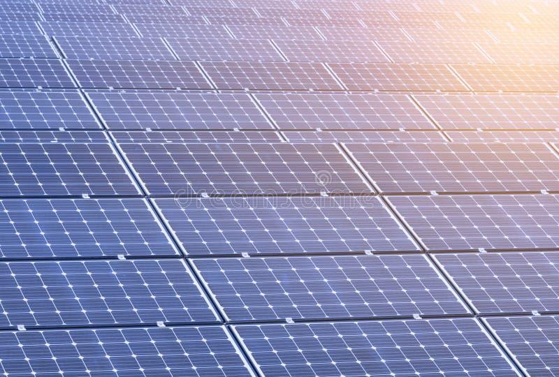 Ogniwo słoneczne kasetonuje nową alternatywną elektryczną energię zdjęcia stock