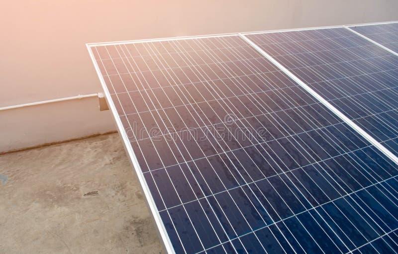 Ogniwo słoneczne system oprócz dla energii i światu obrazy stock