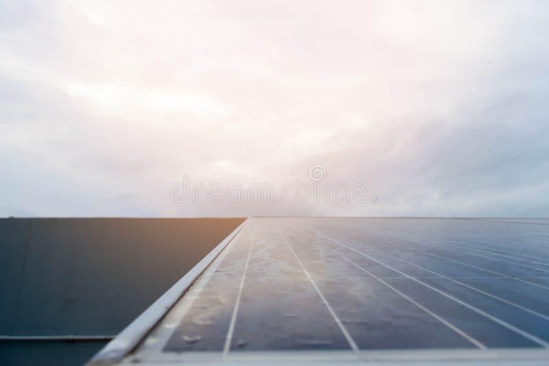 Ogniwo słoneczne system oprócz dla energii i światu obraz royalty free