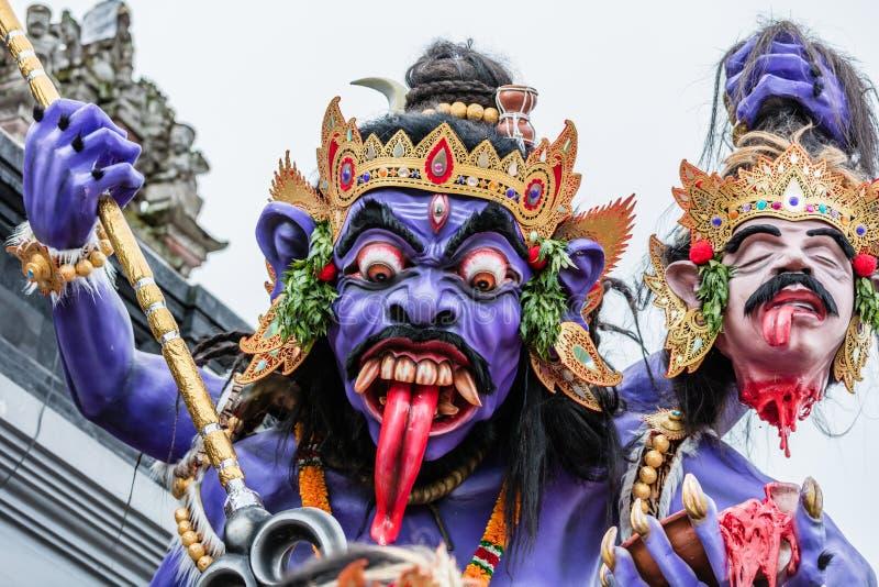 Ogoh-Ogoh,为Ngrupuk游行做的邪魔雕象被举办在Nyepi天的前夕 特写镜头 库存图片