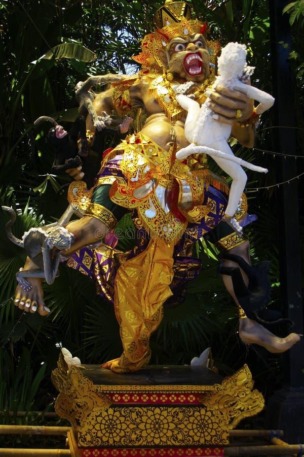 Ogoh ogoh podczas nyepi karnawałowej parady w Bali Indonezja, obraz royalty free