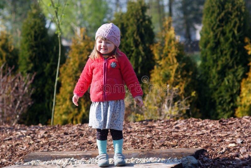 Download Ogród dziecka zdjęcie stock. Obraz złożonej z łąka, natura - 53787746