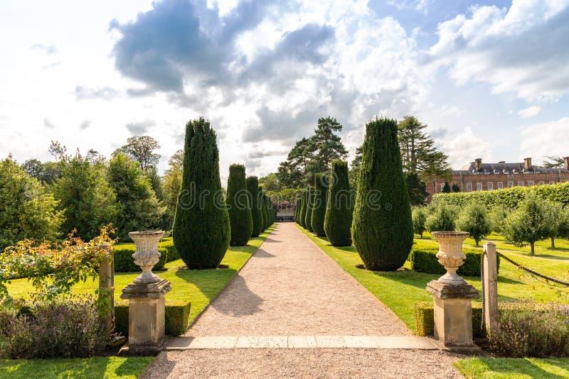 Ogród i parkland w Erddig Hall zdjęcia stock