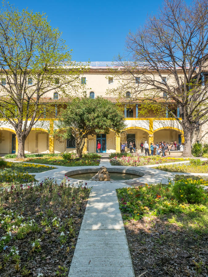 Ogród szpital w Arles, Francja fotografia stock