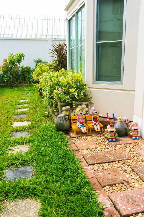 Ogrodowa strona dom obrazy royalty free